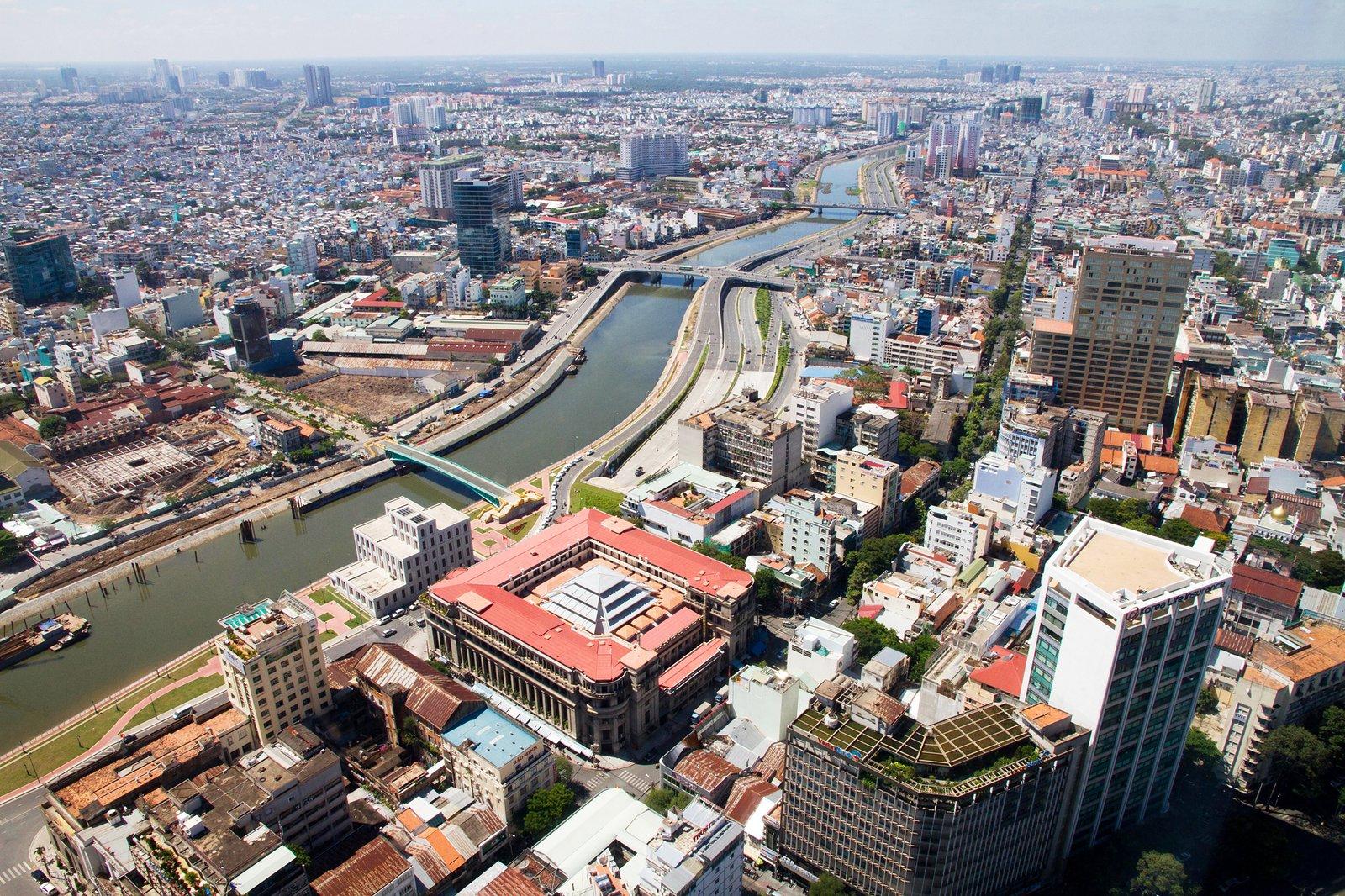 HSBC: Việt Nam là nền kinh tế ASEAN duy nhất được dự báo tăng trưởng khả quan 2020, sẽ đạt mức 8,1% vào 2021 - Ảnh 1.