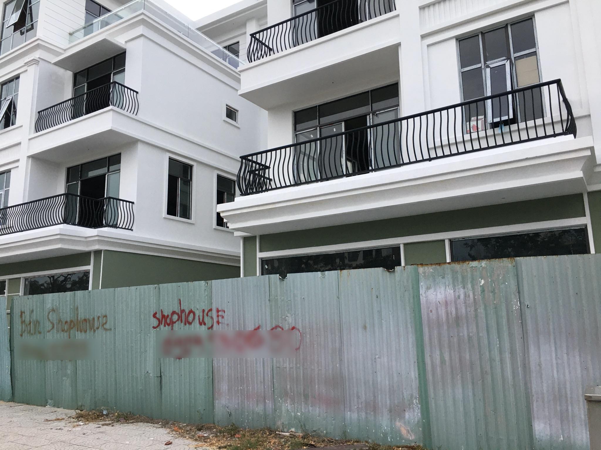 [PhotoStory] Hàng trăm shophouse chục tỉ đồng ở Đà Nẵng ế ẩm người thuê, bỏ hoang - Ảnh 14.