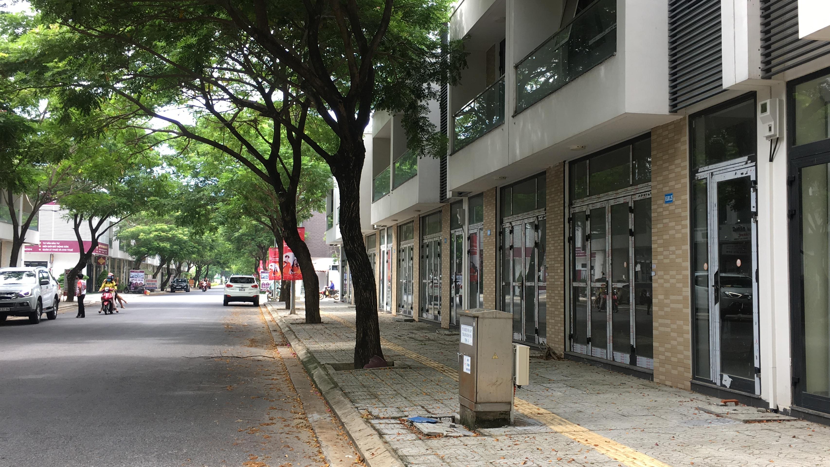 [PhotoStory] Hàng trăm shophouse chục tỉ đồng ở Đà Nẵng ế ẩm người thuê, bỏ hoang - Ảnh 10.