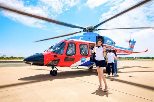 Những điểm du lịch nội địa có dịch vụ bay trực thăng ngắm cảnh - Ảnh 2.