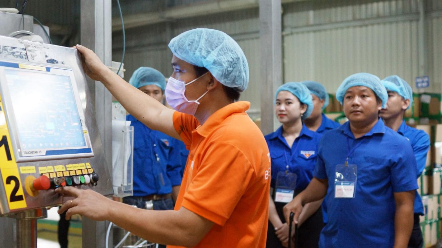 Đoàn đại biểu lớp tập huấn chuyển giao Khoa học công nghệ khu vực Đông Nam Bộ tham quan và giao lưu tại Tập đoàn Tân Hiệp Phát - Ảnh 3.