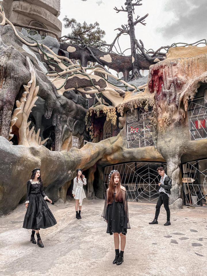 Ghé Đà Lạt, khám phá loạt địa điểm thăm thú mang đậm phong cách Halloween - Ảnh 3.