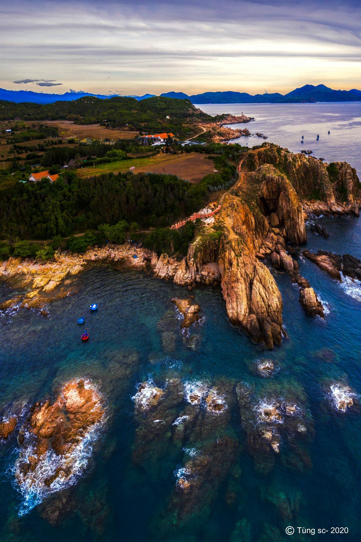 Chiêm ngưỡng vẻ đẹp Gành Đèn, 'viên ngọc' được cất giấu giữa biển trời Phú Yên  - Ảnh 2.