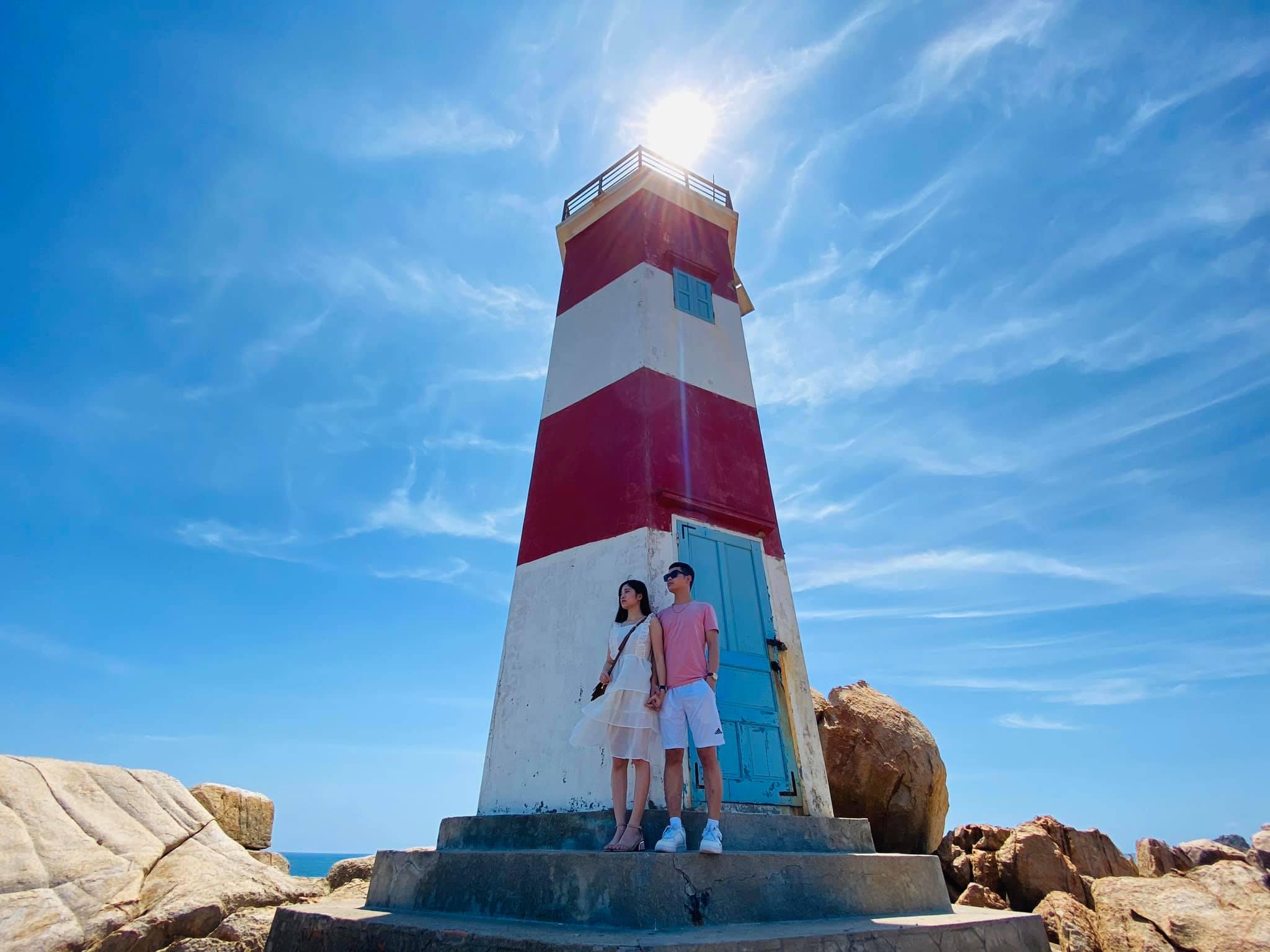 Chiêm ngưỡng vẻ đẹp Gành Đèn, 'viên ngọc' được cất giấu giữa biển trời Phú Yên  - Ảnh 4.