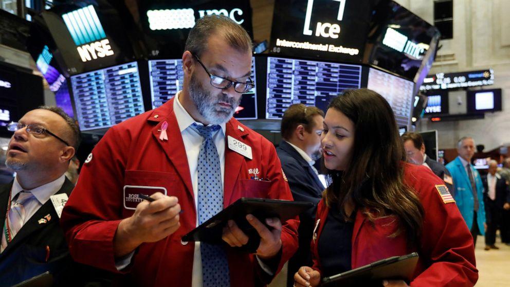 Giới đầu tư Mỹ đang sợ cuộc đua vào Nhà Trắng hơn khủng hoảng COVID-19 - Ảnh 1.
