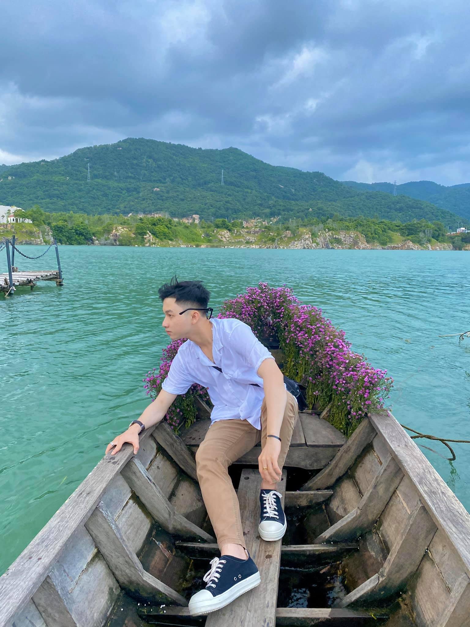 Bật mí 5 góc chụp 'đẹp miễn chê' tại hồ Đá Xanh, Vũng Tàu  - Ảnh 5.