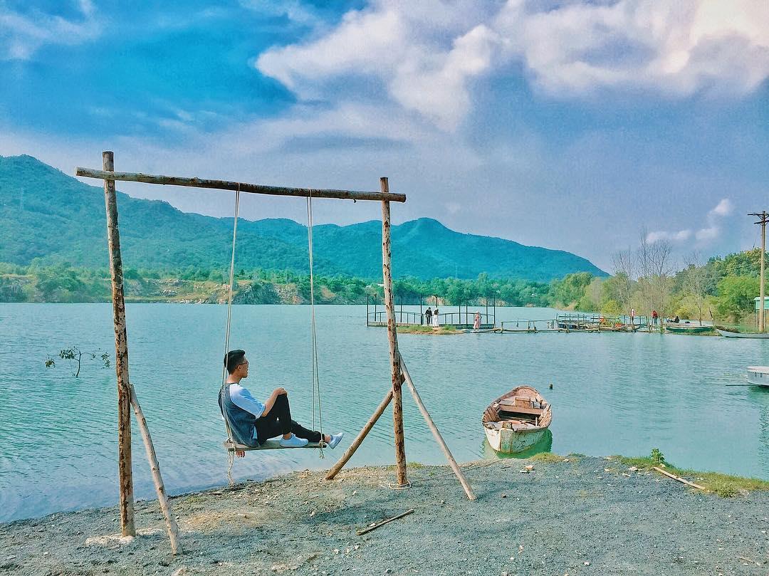 Bật mí 5 góc chụp 'đẹp miễn chê' tại hồ Đá Xanh, Vũng Tàu  - Ảnh 15.