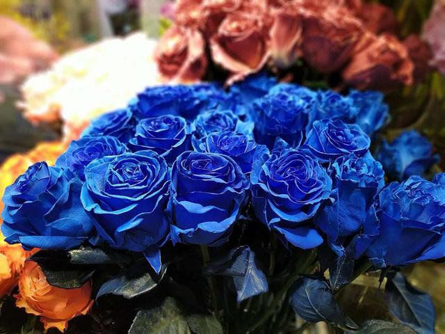 Thị trường hoa cao cấp vẫn hút khách dịp 20/10 - Ảnh 4.