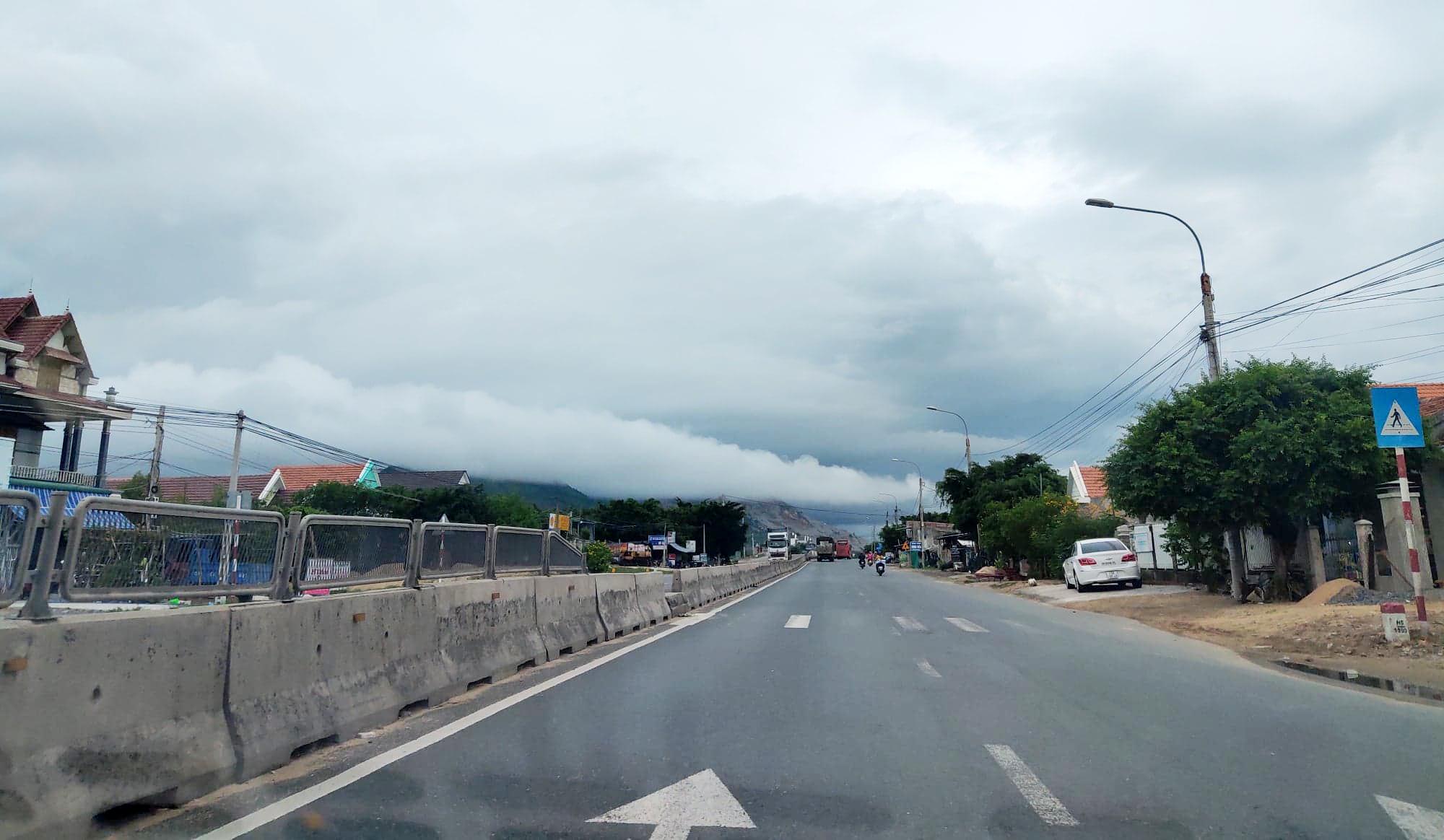 Xây dựng cao tốc Vân Phong - Nha Trang gần 12.800 tỉ đồng - Ảnh 1.