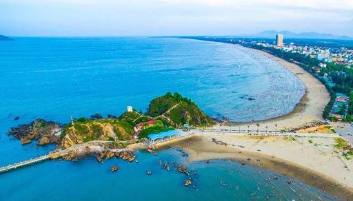 Khám phá miền biển Cửa Lò, viên ngọc xanh ẩn mình nơi xứ Nghệ - Ảnh 1.