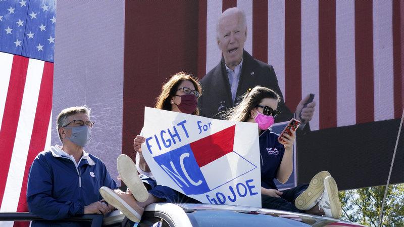Chiến dịch tranh cử của ông Biden cảnh báo: 'Donald Trump vẫn có thể chiến thắng cuộc đua' - Ảnh 1.