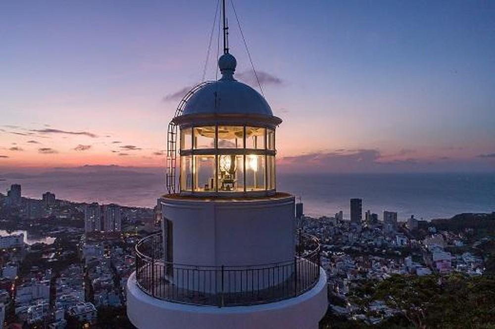 Lên ngọn hải đăng cổ, ngắm thành phố biển Vũng Tàu xinh đẹp - Ảnh 10.