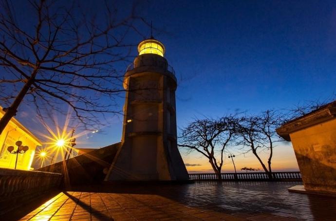 Lên ngọn hải đăng cổ, ngắm thành phố biển Vũng Tàu xinh đẹp - Ảnh 11.