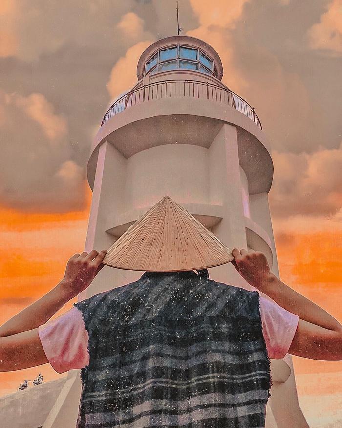 Lên ngọn hải đăng cổ, ngắm thành phố biển Vũng Tàu xinh đẹp - Ảnh 4.