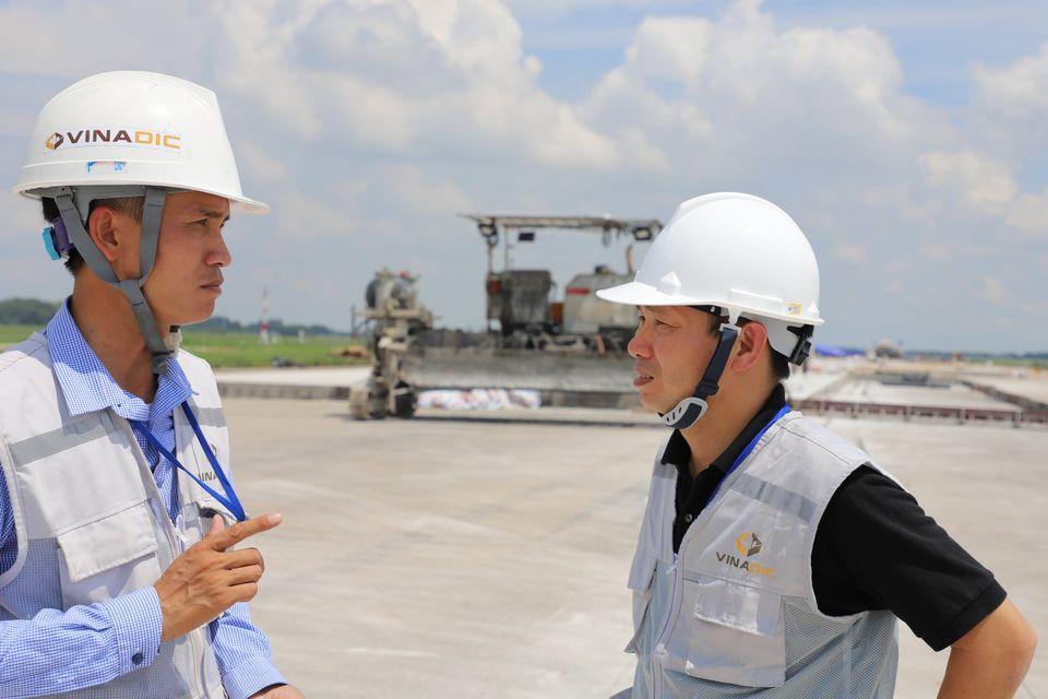 Bài học về thái độ làm việc từ chuyện kĩ thuật viên trở thành Phó Tổng giám đốc tập đoàn xây dựng - Ảnh 1.