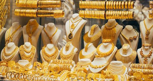 Giá vàng hôm nay 26/10: Vàng SJC sụt giảm thêm 50.000 đồng/lượng - Ảnh 1.