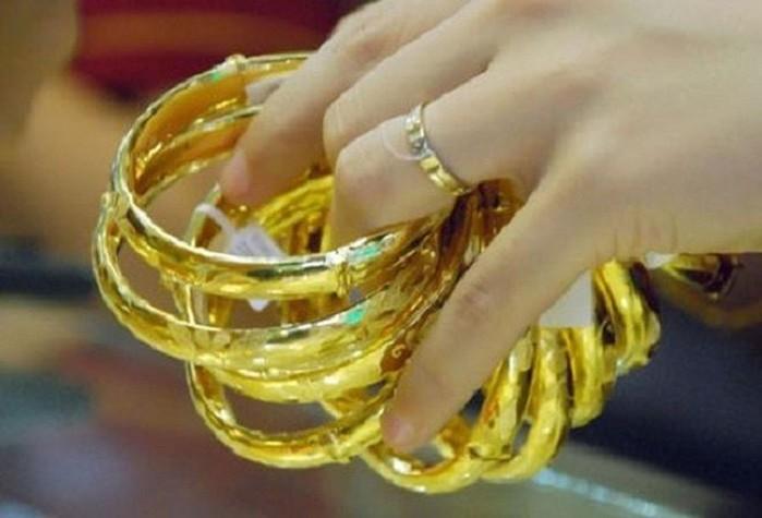 Giá vàng hôm nay 28/10: Vàng tiếp tục duy trì mức 1.900 USD/ounce  - Ảnh 1.