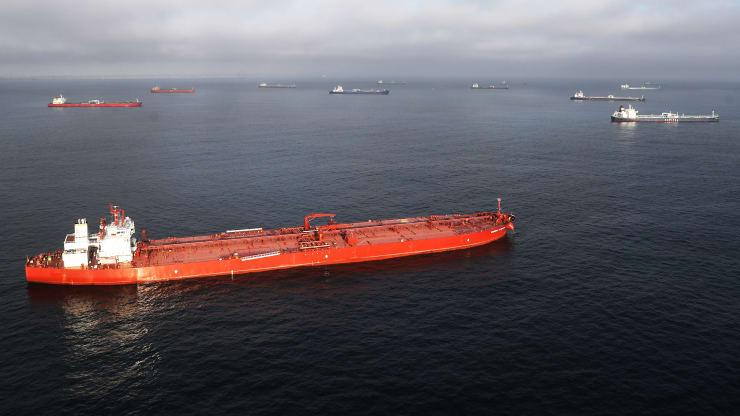Giá xăng dầu hôm nay 30/10: Dầu tiếp tục giảm do nguồn cung tăng cao  - Ảnh 1.