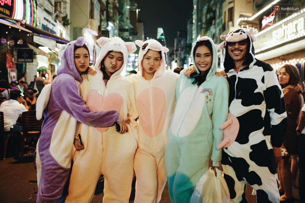 Khám phá loạt địa điểm vui chơi Halloween được check-in nhiều nhất tại Sài Gòn  - Ảnh 2.