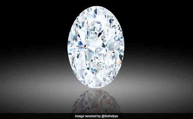 Cận cảnh viên kim cương quí hiếm được bán với giá 15,7 triệu USD - Ảnh 4.