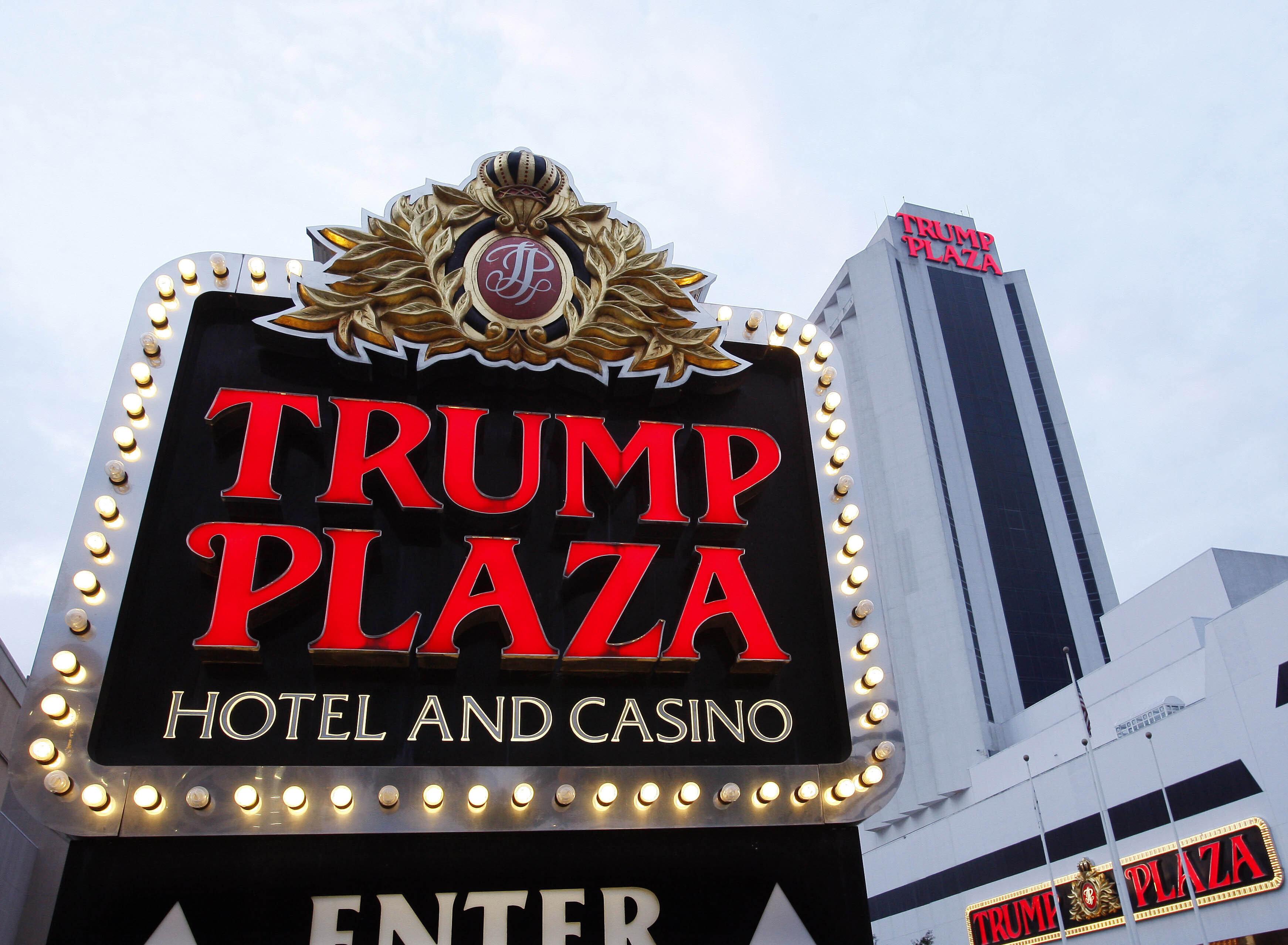 Lỗ hổng giúp những chủ tập đoàn lớn như Tổng thống Donald Trump né thuế hợp pháp - Ảnh 2.
