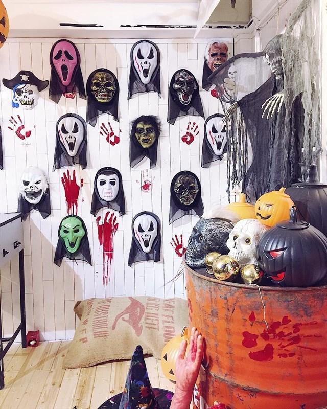 """""""Đột nhập"""" 5 quán cà phê ma mị đậm chất Halloween tại Sài Gòn - Ảnh 13."""