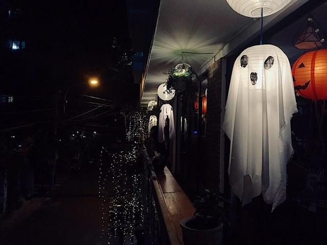"""""""Đột nhập"""" 5 quán cà phê ma mị đậm chất Halloween tại Sài Gòn - Ảnh 15."""