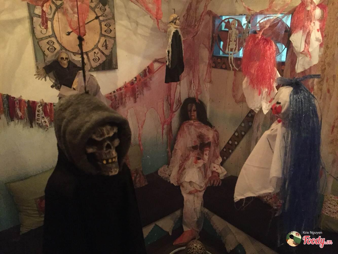 """""""Đột nhập"""" 5 quán cà phê ma mị đậm chất Halloween tại Sài Gòn - Ảnh 2."""