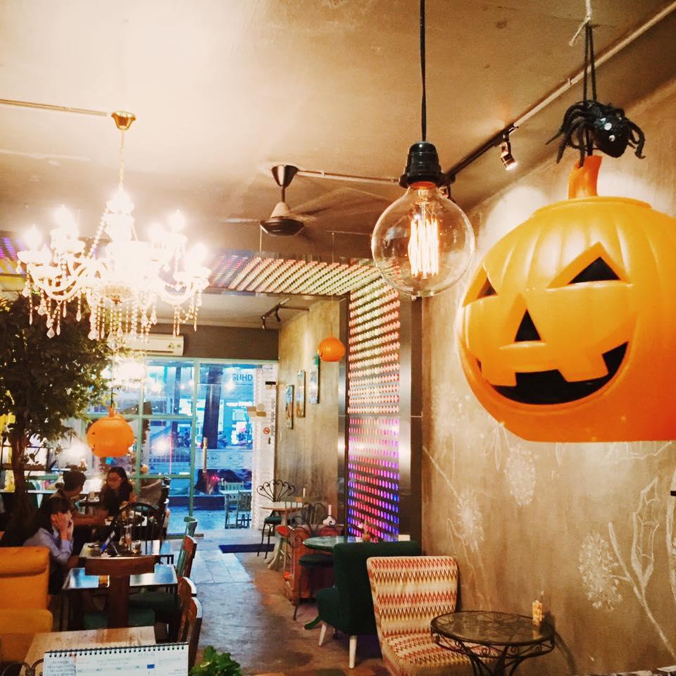"""""""Đột nhập"""" 5 quán cà phê ma mị đậm chất Halloween tại Sài Gòn - Ảnh 5."""