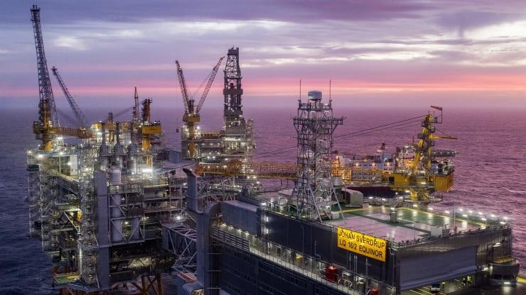 Giá xăng dầu hôm nay 10/10: Giá dầu giảm trở lại do đình công tại Na Uy - Ảnh 1.