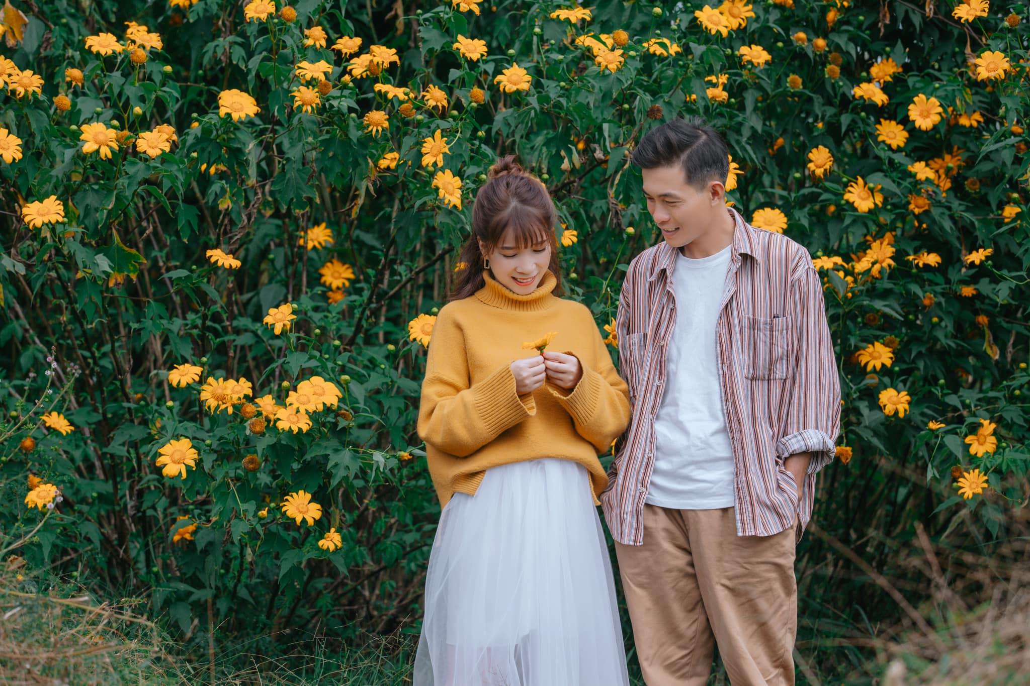 Ngắm Đà Lạt mùa hoa dã quỳ qua bộ ảnh lãng mạn của cặp đôi trẻ - Ảnh 8.