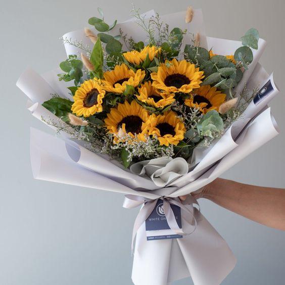 Những mẫu hoa đẹp và ý nghĩa dành tặng thầy cô nhân ngày 20/11 - Ảnh 11.