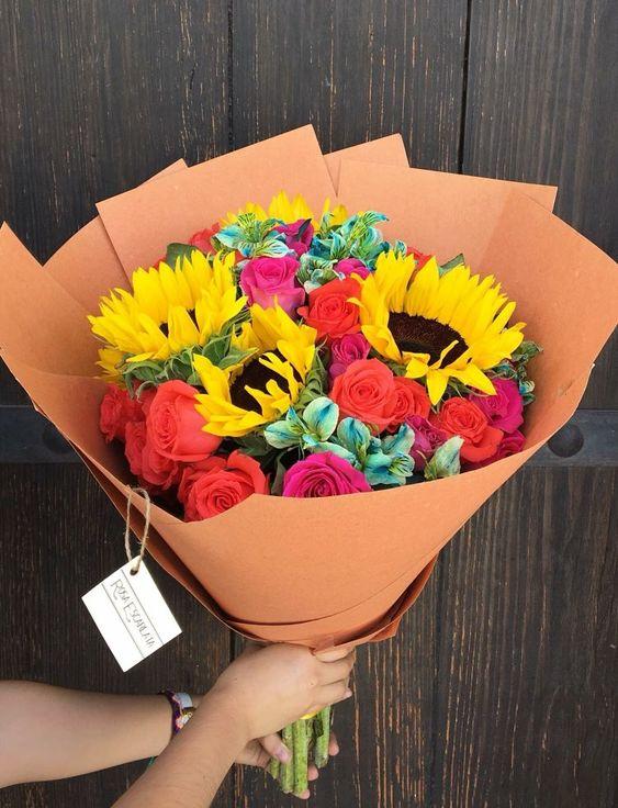 Những mẫu hoa đẹp và ý nghĩa dành tặng thầy cô nhân ngày 20/11 - Ảnh 10.