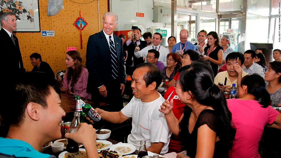 Ghé thăm tiệm mì bình dân ông Joe Biden từng ăn - Ảnh 1.