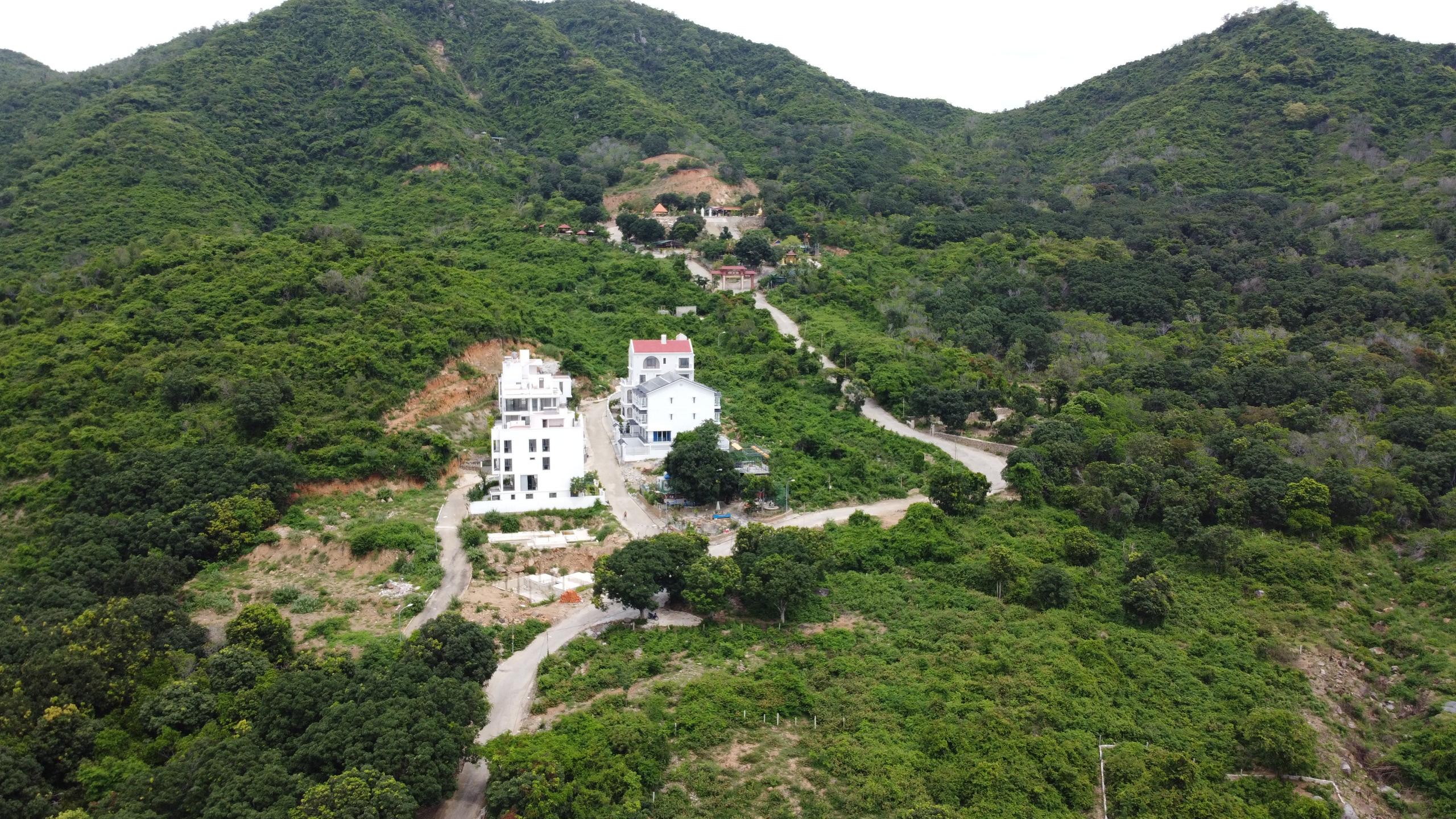 Nha Trang loạt dự án xẻ núi làm biệt thự, khu dân cư - Ảnh 1.