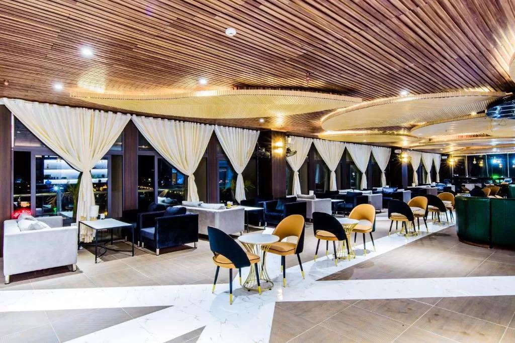 Khám phá top 5 khách sạn hạng sang được đông đảo du khách yêu thích tại Hòa Bình  - Ảnh 3.