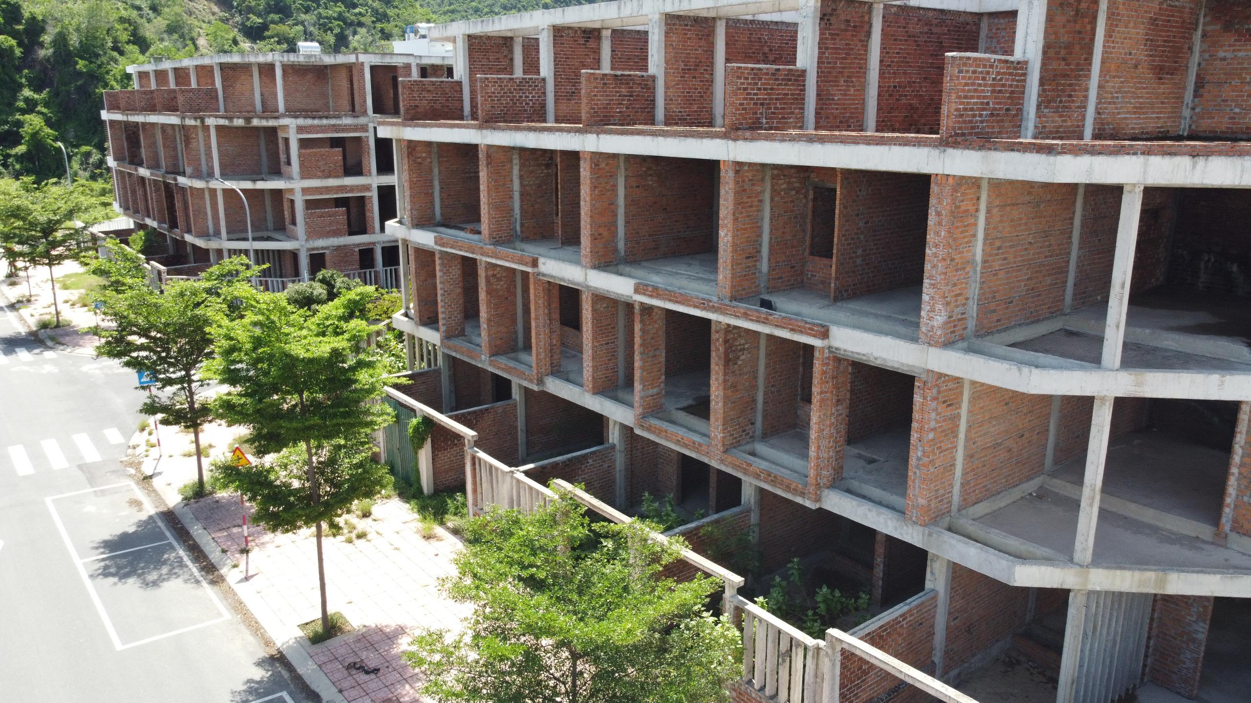 Hàng loạt căn hộ bỏ hoang, vắng chủ tại KĐT Mipeco - Nha Trang - Ảnh 6.