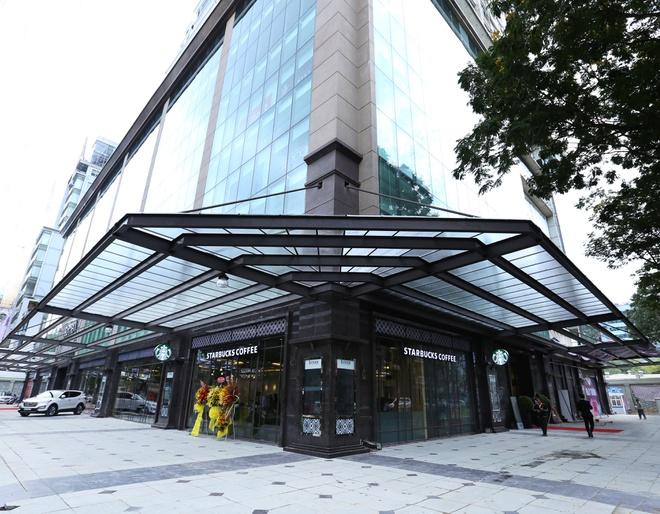 VietinBank chào bán khoản nợ 2.600 tỉ đồng, thế chấp bằng Trung Tâm Thương mại RomeA - Ảnh 1.