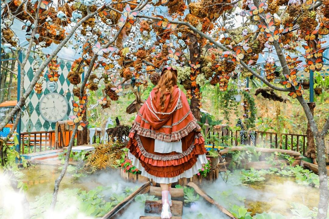 Săn ngay bộ ảnh ảo diệu tại ngôi làng phép thuật Magic Land, điểm check-in mới tại Đà Lạt - Ảnh 2.