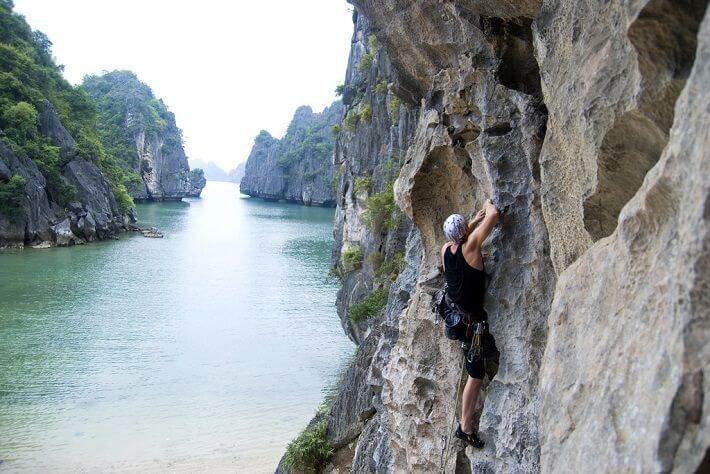 Chiêm ngưỡng cảnh sắc thiên nhiên kì vĩ tại vịnh Lan Hạ, Hải Phòng - Ảnh 12.