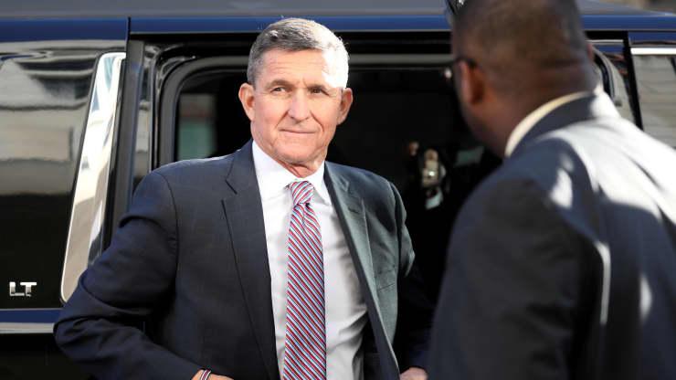 Ông Trump ân xá cho cựu cố vấn an ninh quốc gia Michael Flynn - Ảnh 1.