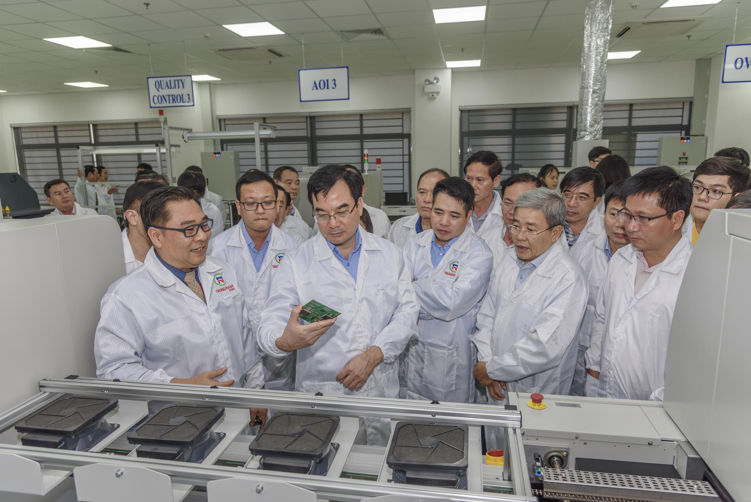 Hơn 40 tỉnh, thành phố đến Đà Nẵng học hỏi kinh nghiệm phát triển khu công nghệ cao - Ảnh 1.