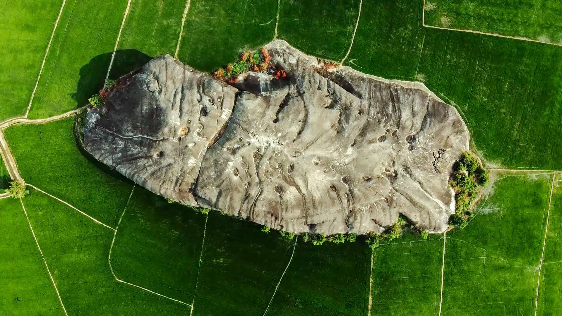 Khám phá đá Chữ Thập, địa điểm dã ngoại lí tưởng quanh khu vực Sài Gòn - Ảnh 8.