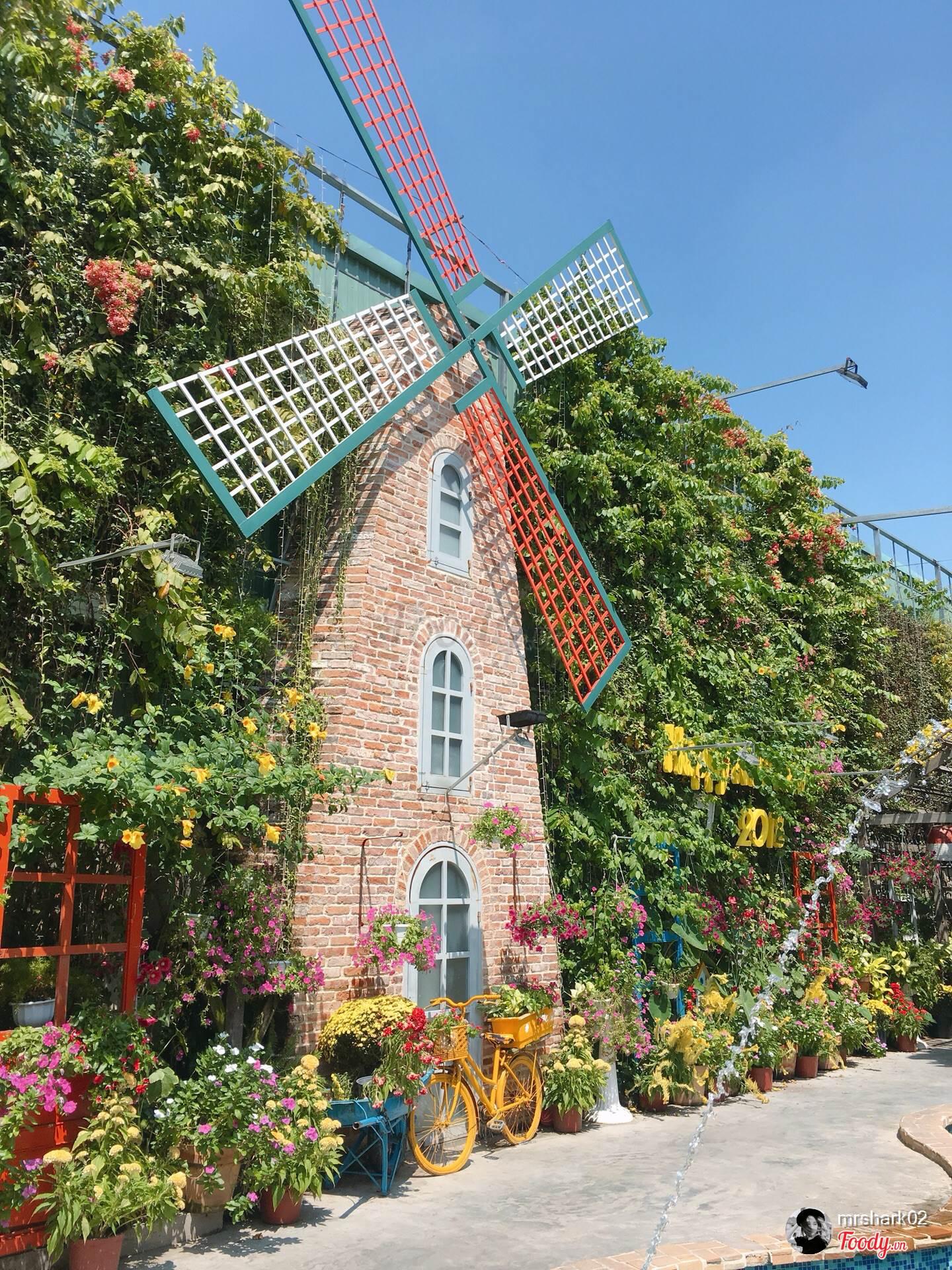 5 quán cà phê sân vườn thích hợp làm địa điểm họp lớp ngày 20/11 ở TP HCM - Ảnh 9.