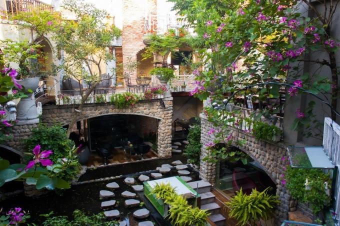 5 quán cà phê sân vườn thích hợp làm địa điểm họp lớp ngày 20/11 ở TP HCM - Ảnh 5.