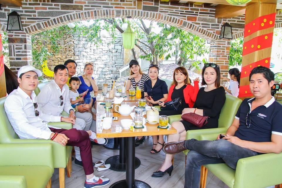 5 quán cà phê sân vườn thích hợp làm địa điểm họp lớp ngày 20/11 ở TP HCM - Ảnh 4.