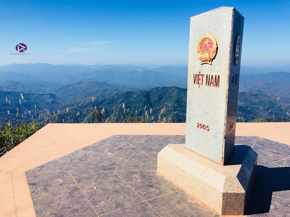 Ngã ba biên giới A Pa Chải, cung đường phượt ấn tượng giữa núi rừng Điện Biên - Ảnh 6.