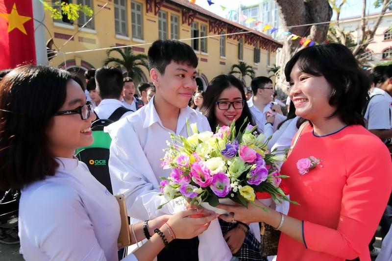 Top 10 món quà ý nghĩa nhất để tri ân thầy cô nhân ngày 20/11 - Ảnh 1.