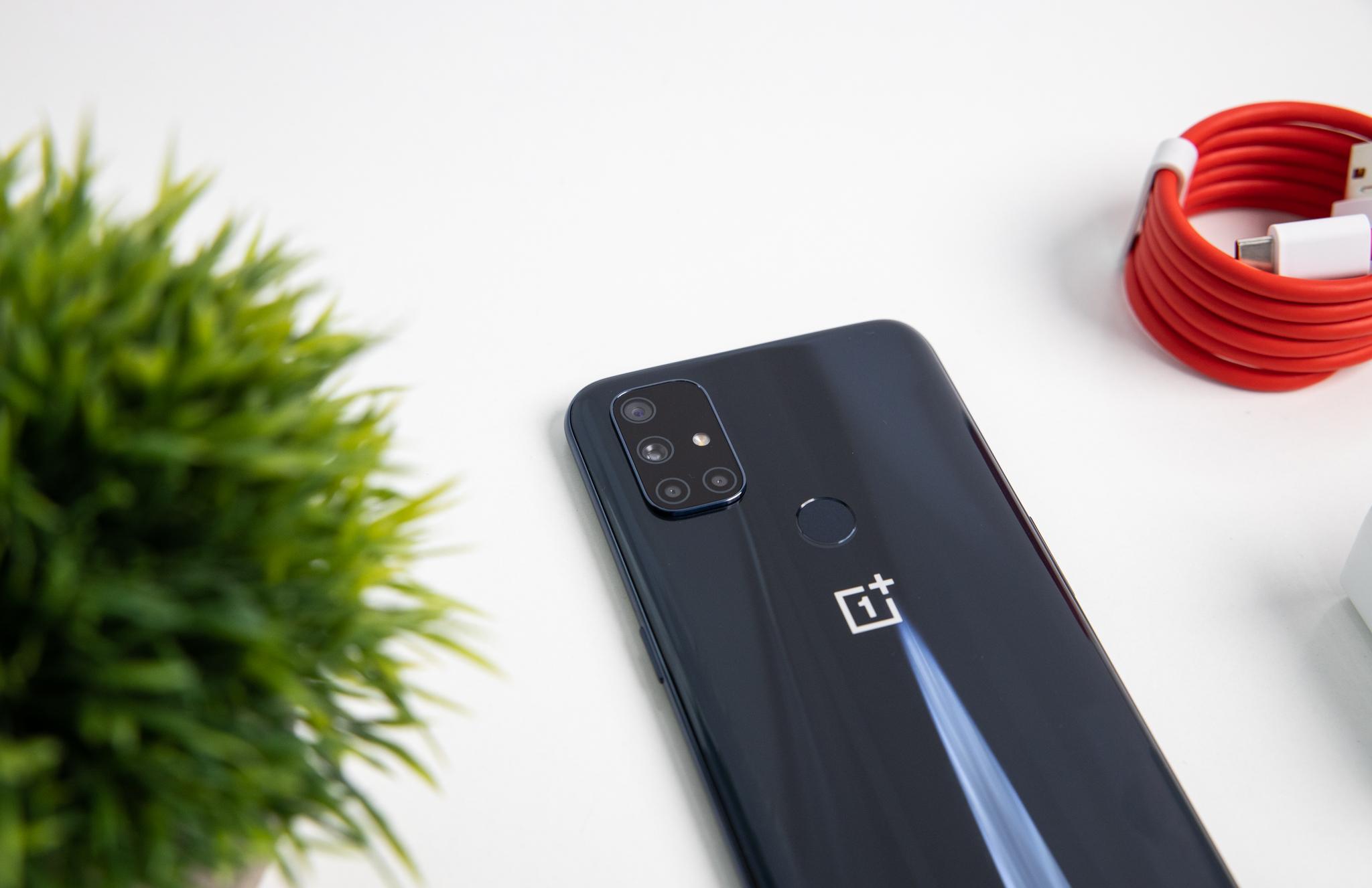 OnePlus Nord N10 5G khiến thị trường điện thoại tháng 12 thêm nóng - Ảnh 2.