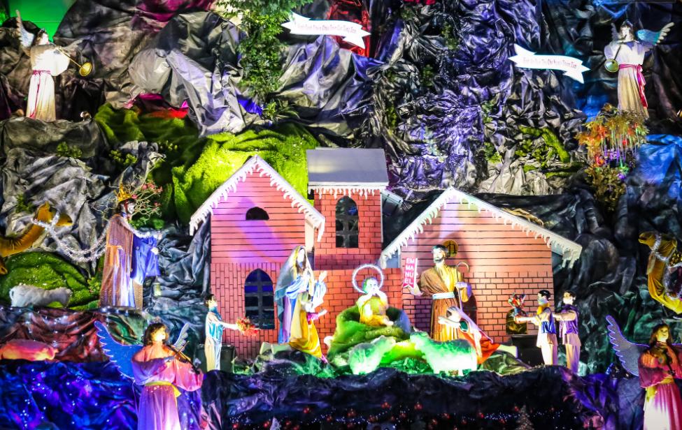 Chiêm ngưỡng những hang đá Giáng sinh đẹp mắt tại 5 xóm đạo nổi tiếng ở Sài Gòn - Ảnh 5.